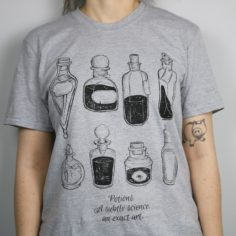 Wizardry Potions Shelf Short Sleeved T-Shirt (Grey)