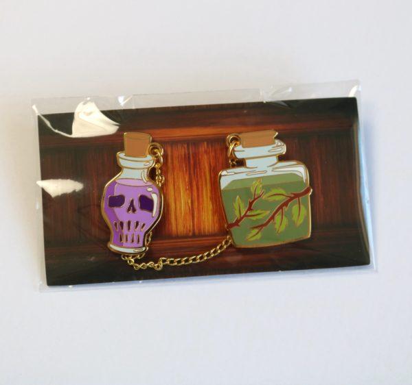 Wizardry Collar Chain Pin